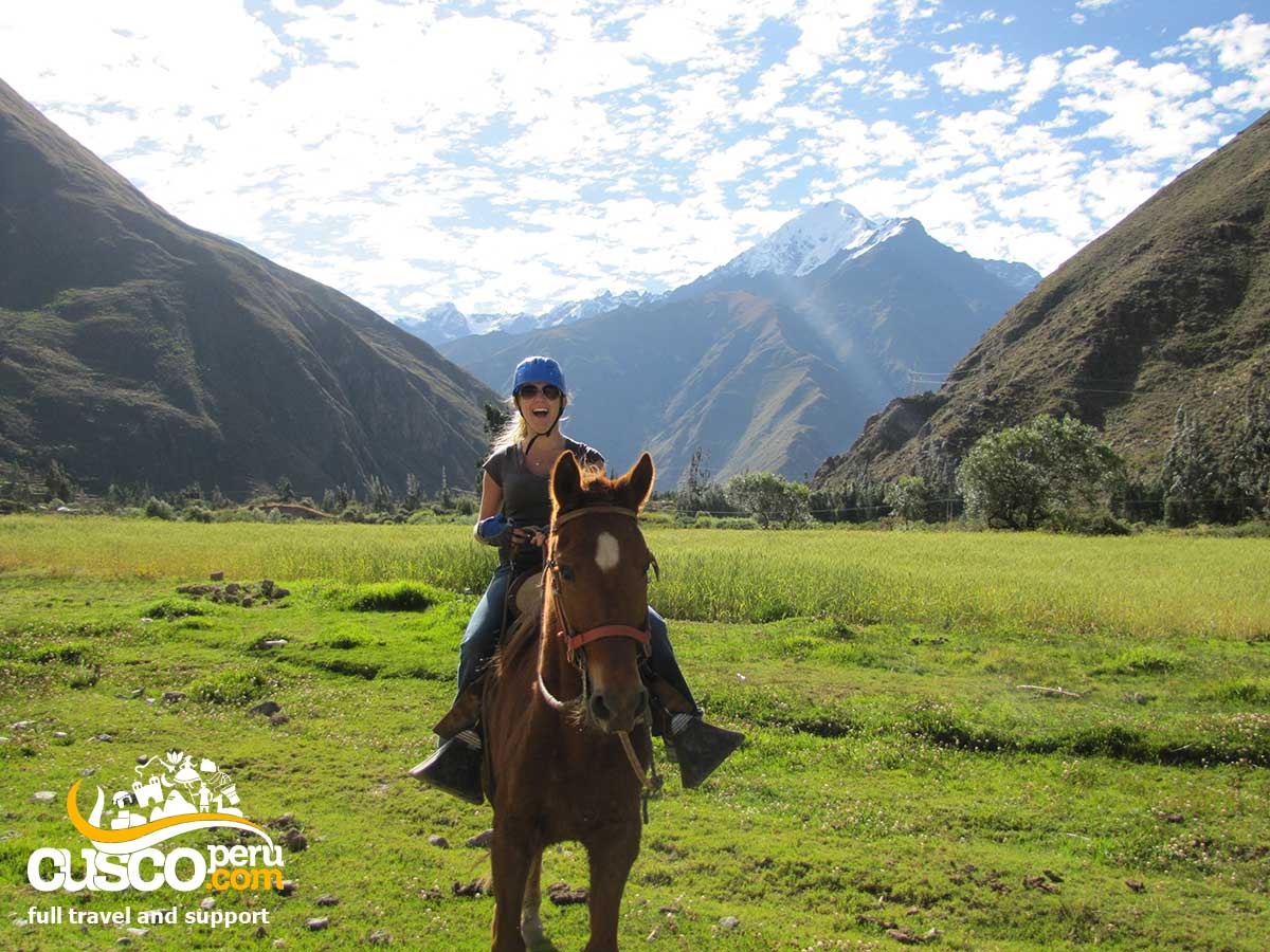 Sacred Valley horseback riding Tour 8 Hours