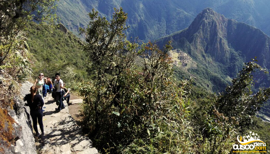 machu picchu montania sacred valley 4 days